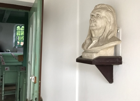 The Segesvár church has a bust of Ferenc Dávid, the founder of the denomination, at the front door.